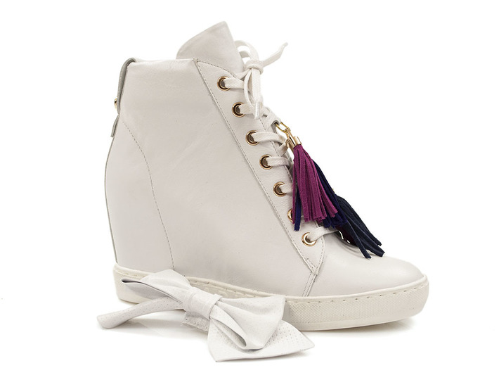 sneakersy Carinii B4401