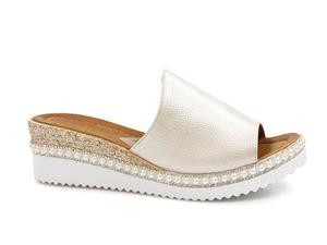 Buty damskie klapki na niskim koturnie Venezia 06012000300BE
