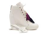 sneakersy Carinii B4401 - kolor: biały